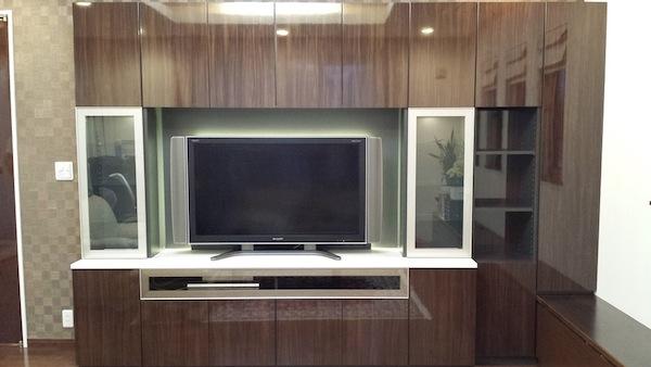 鏡面木目が美しいTVボード イメージ