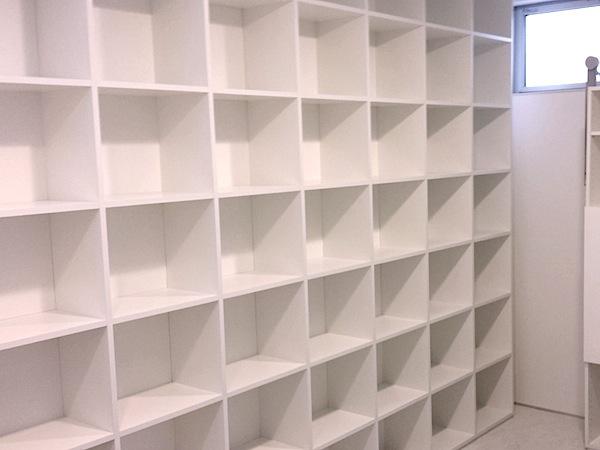 シンプルな本棚 イメージ
