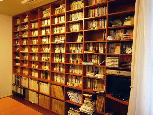 壁いっぱいの本棚 イメージ