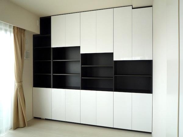 白と黒のモノイレ イメージ