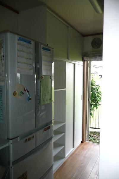 引戸のキッチン収納 イメージ
