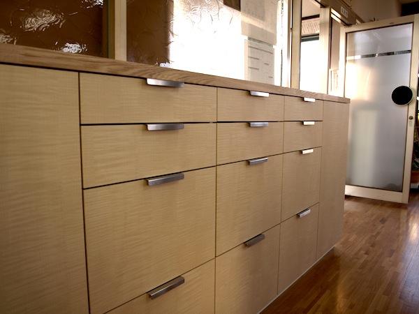 事務所の収納棚 イメージ