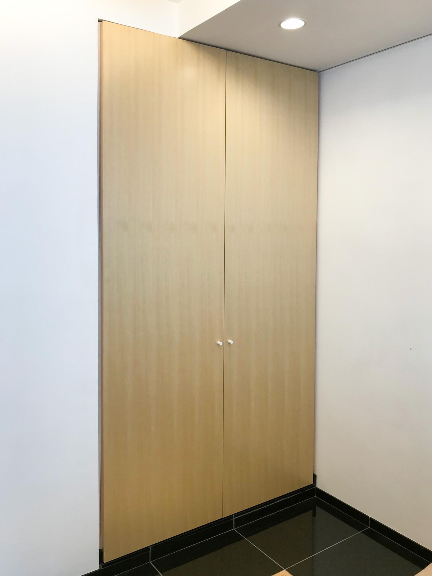 桧 突板扉の和風クローゼット イメージ