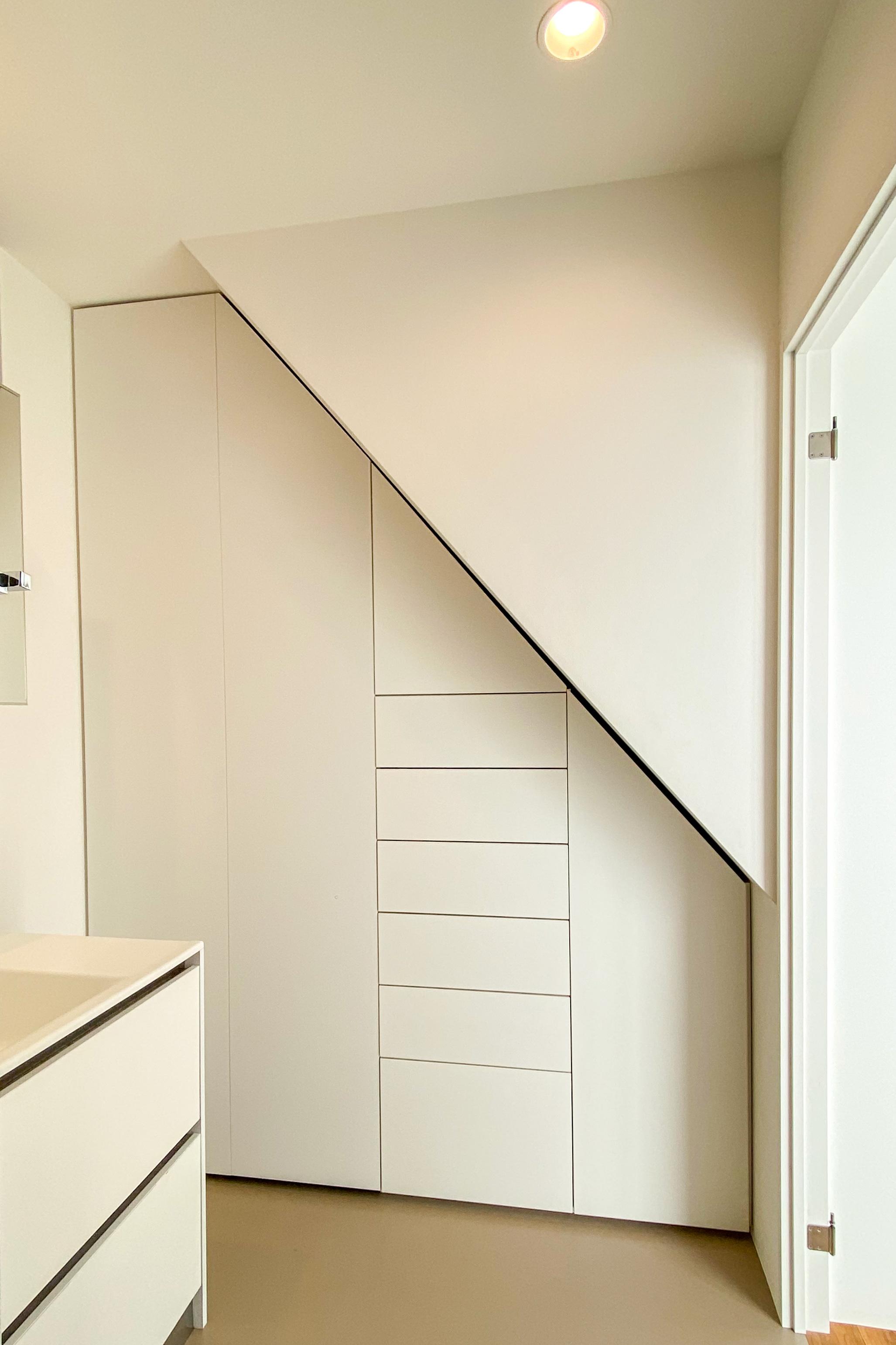 階段下ランドリー収納 イメージ