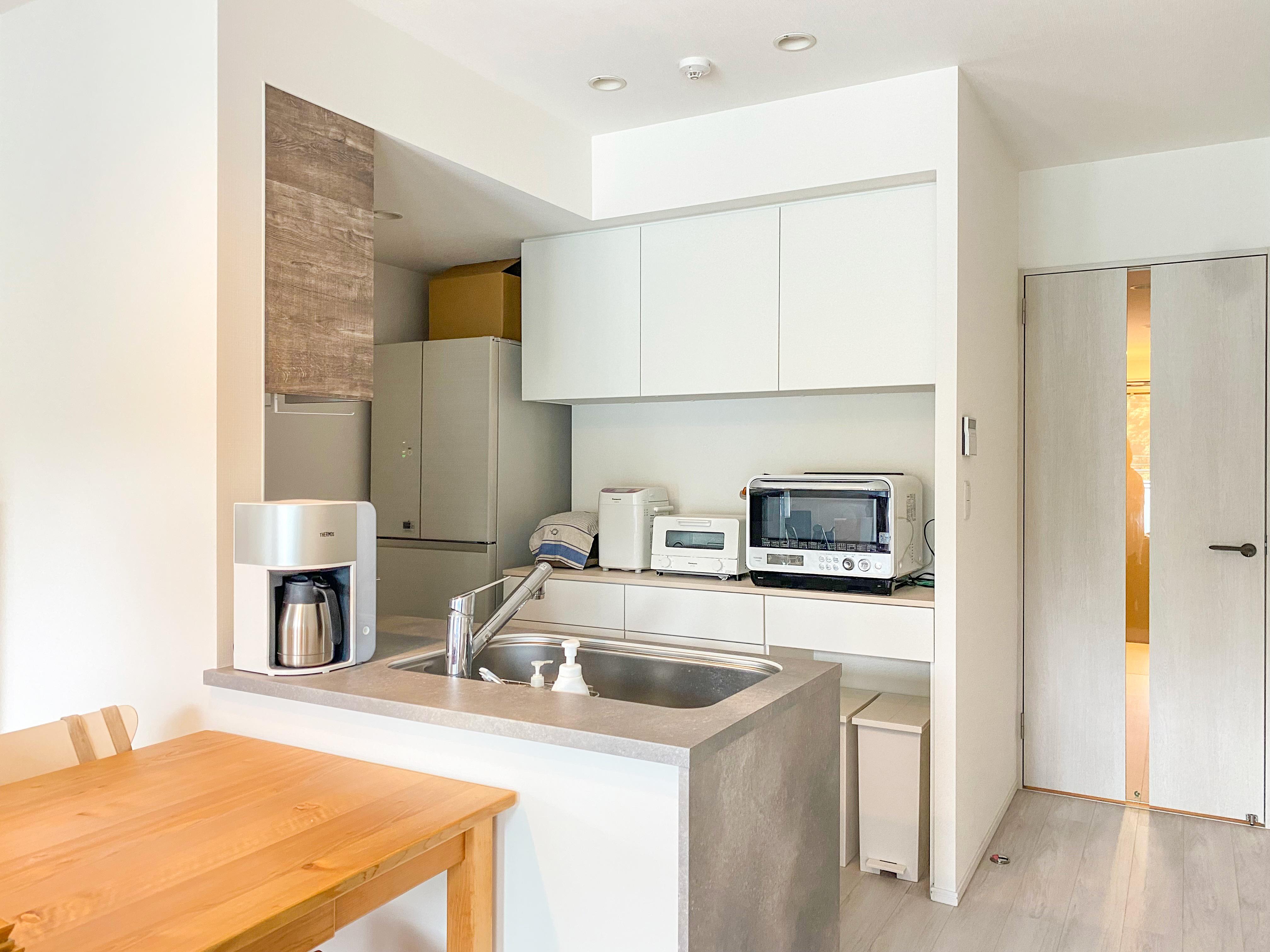 シンプルでモダンなキッチン収納 イメージ