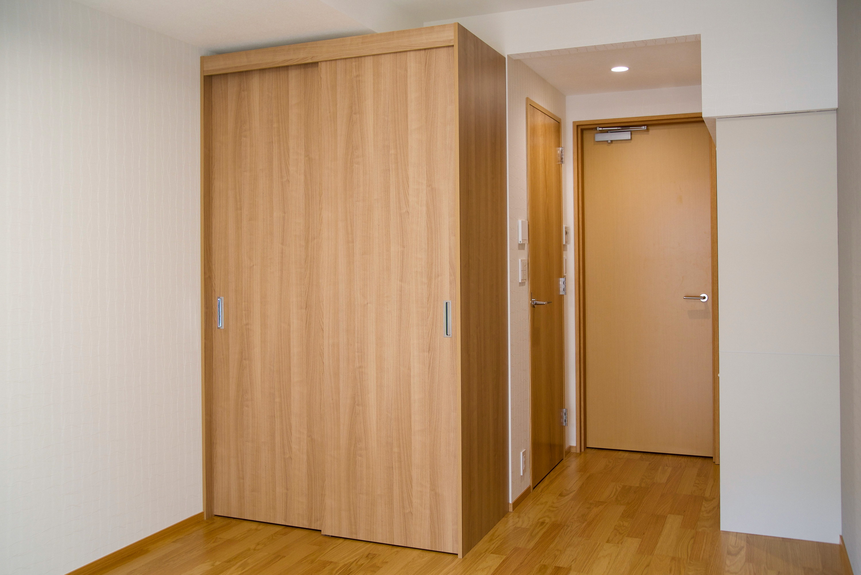 引き違い吊扉のクローゼット イメージ